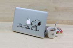 cool-macbook-stickers-snoopy-woodstock-supper