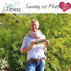 Nicht vergessen, am Sonntag ist Muttertag! ❤️ Es müssen nicht immer Blumen sein, macht eurer Mutter doch eine sportliche Überraschung und schenkt ihr einen Gutschein für unser Studio! 🥰 Neben unseren Mitgliedschaften bieten wir auch 10er-Karten für Kurse (auch online), Massagen und ein Monatsabo zum Testen an! 😃 Bitte ruft uns für Gutscheinbestellungen unter 📞 02389-59933 an oder schreibt uns eine E-Mail an 📧 info@lady-fitness-werne.de! #LadyFitnessWerne #Werne #Fitness #Gutschein Lady Fitness, Massage, Fit Women, T Shirts For Women, Studio, Fashion, Left Out, You're Welcome, Fit Females