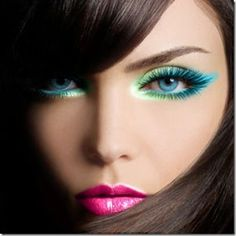 Turquoise and mint green shadow with bright pink lips. So fresh!