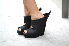All things designer shoes. Funky Fashion, Dark Fashion, Fashion Shoes, Womens Fashion, 5 Inch And Up, Shoe Boots, Shoes Heels, Ankle Boots, Flats