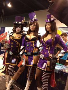 Mad Moxxi cosplay - Me on the left! Epic Cosplay, Cosplay Girls, Anime Cosplay, Halloween Cosplay, Cosplay Costumes, Moxxi Cosplay, Alice In Wonderland Garden, Borderlands Cosplay, Tiny Tina
