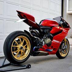 Mr. Perfect Via: @cyclelaw  #ducatistagram #ducati #1199r #panigale