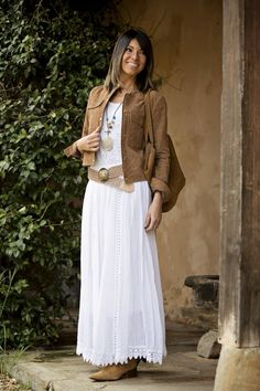White for the spring móda romantische kleider, stil mode a frauen outfits. Mode Hippie, Mode Boho, Modest Dresses, Casual Dresses, Casual Outfits, Fashionable Outfits, White Dress Casual, Modest Fashion, Fashion Dresses