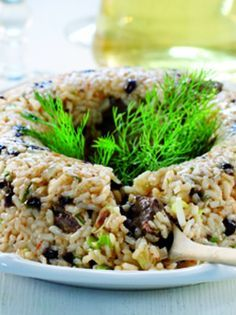 politiko pilafi smallolive magazine.gr Greek Recipes, Soul Food, Risotto, Side Dishes, Dessert Recipes, Food And Drink, Rice, Cooking Recipes, Lunch