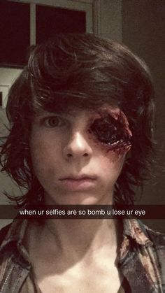The Walking Dead: Chandler Riggs Carl The Walking Dead, The Walk Dead, Walking Dead Memes, The Walking Dead 3, Chandler Riggs, Carl Grimes, Dead Zombie, Stuff And Thangs, Lol
