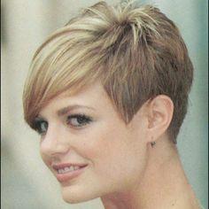Kort haar maar ook stijlvol? Bekijk deze 15 trendy korte kapsels voor dames met een verfijnde smaak!