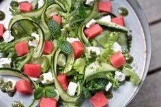 Mintussa sen salaisuus – Vispilän viemää Caprese Salad, Cobb Salad, Cheese, Food, Essen, Meals, Yemek, Insalata Caprese, Eten