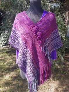 Lola Telares Loom Knitting Patterns, Weaving Patterns, Crochet Patterns, Loom Weaving, Hand Weaving, Braided Rag Rugs, Weaving Projects, Knit Or Crochet, Knitted Shawls