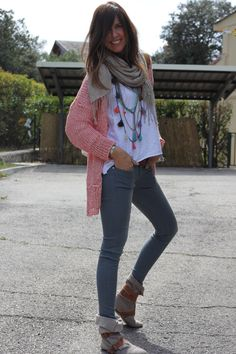 Love love this easy look! The gray jeans are my fav!! The boots are super cute