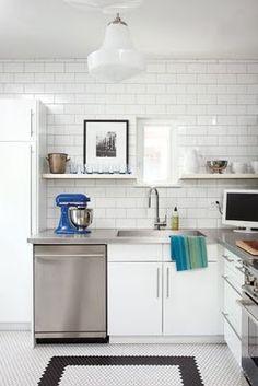 Fun floor for black and white kitchen Kitchen On A Budget, Diy Kitchen, Kitchen Interior, Vintage Kitchen, Kitchen Decor, Kitchen Ideas, Kitchen Designs, Petite Kitchen, Kitchen Mosaic