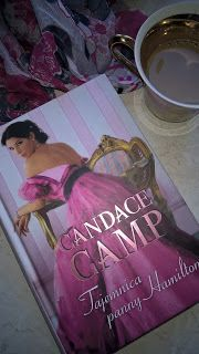 """Miałam już przyjemność spotkać się z twórczością Pani Candace Camp, zatem wiedziałam czego się spodziewać sięgając po kolejną jej książkę i oczywiście się nie zawiodłam. """"Tajemnica panny Hamilton"""", jak przystało na tę autorkę, nie jest typowym """"romansidłem"""", ponieważ główny nurt powieści stanowi wątek raczej kryminalny z ciekawie skonstruowaną intrygą pobudzającą szare komórki. Ponieważ to mimo wszystko romans historyczny, więc pojawia się płomienne uczucie, a powieść oczywiście wzrusza ..."""