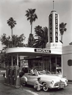 Celebrate your love for all things retro by featuring the Global Gallery American Gas Station 1950 Wall Art as a focal point of your décor. Diy Vintage, Photo Vintage, Vintage Cars, Vintage Photos, Vintage Auto, Dress Vintage, Vintage Signs, Vintage Clothing, Old Gas Pumps