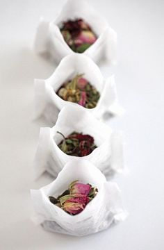 "DIY tea bags: You can find the unfilled ""press & seal"" tea bags at your loca. DIY tea bags: You can find the unfilled ""press & seal"" tea bags at your local health food store or Whole Foods and most Diy Tea Bags, Flower Tea, Rose Tea, My Cup Of Tea, Tea Cup, Tea Blends, Tea Recipes, High Tea, Afternoon Tea"