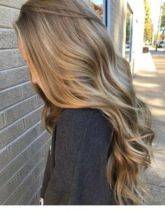 70 stunning long blonde hair color ideas for spring .- 70 stunning long blonde hair color ideas for spring and summer Buttery Blonde, Hair Color Balayage, Hair Highlights, Hair Colour, Level 8 Hair Color, Ombre Sombre, Gorgeous Hair Color, Grey Ombre, Lange Blonde