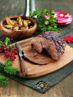 Pork is the main dish on the Cretan Christmas table Christmas Events, Xmas Food, Greek Recipes, Xmas Recipes, Sliders, Main Dishes, Steak, Wedding Cakes, Recipies