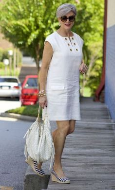 Fashion Over 50 Over 50 Womens Fashion, Fashion Over 50, Simple Dresses, Casual Dresses, African Fashion Dresses, Fashion Outfits, Little White Dresses, Linen Dresses, Casual Wear