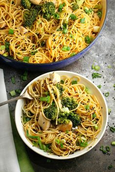 Sesame Noodles with Chicken and Broccoli...an easy and delicious one pot meal that is perfect for a dinner or potlucks! Only 30 min!