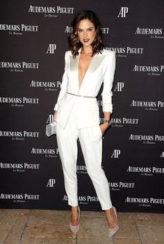 There's Nothing Stocky or Business-Like About Alessandra Ambrosio's White Pantsuit Alessandra Ambrosio knows how to make anything look glamorous. The Brazilian Victoria's Secret Angel (who, by the way, recently killed it on the VS runway) Alessandra Ambrosio, White Pantsuit, White Dress, White Tux, Dress Black, White Gold, White Outfits, Classy Outfits, Night Outfits