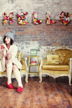 Keiko Lynn, fashion, fashion blog, inspiration, joy, fun, rock&roll, retro, glamour, vintage, style, coloures, clouthes, make up, glasses, floral letters