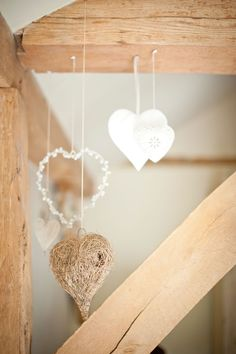Rustic wedding theme tips © Photography by Vicki