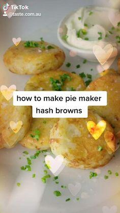 Braai Recipes, Vegetarian Recipes, Cooking Recipes, Savory Snacks, Savoury Dishes, Breville Pie Maker, Mini Pie Recipes, Breakfast Pie, Perfect Breakfast