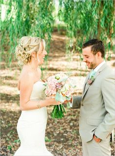 Whimsy and textured bouquet. Floral Design: Karma Flowers #wchappyhour #weddingchicks http://www.weddingchicks.com/2014/06/20/wedding-chicks-happy-hour-16/