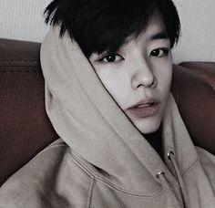 Just handsome boy☯ Просто красивый парень☯ Kami Lir Korean Boys Ulzzang, Cute Korean Boys, Ulzzang Boy, Korean Men, Asian Boys, Asian Men, Jung So Min, Mode Inspiration, Character Inspiration