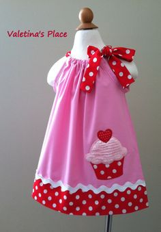 Adorable Cupcake Pillowcase dress by Valentinasplace on Etsy Sewing Kids Clothes, Sewing For Kids, Baby Sewing, Barbie Clothes, Little Dresses, Little Girl Dresses, Girls Dresses, Pillowcase Dress Pattern, Pillowcase Dresses