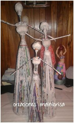 Home decor ideas Recycled Paper Crafts, Newspaper Crafts, Diy Crafts, Paper Dolls, Art Dolls, African Figurines, African Dolls, African Crafts, Paper Mache Sculpture