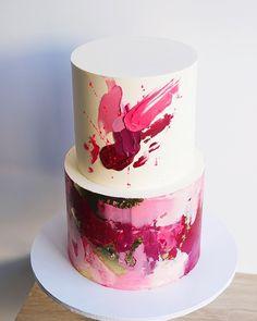 Cut karti hu samjh nai ata check karne Kiya na safina Beautiful Cake Designs, Beautiful Cakes, Amazing Cakes, Cupcakes, Cupcake Cakes, 21st Cake, Watercolor Cake, Modern Cakes, Frozen Chocolate
