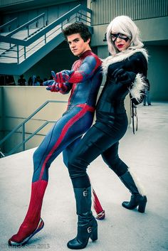 Characters: Spider-Man (Peter Parker) & Black Cat (Felicia Hardy) / From: MARVEL Comics 'The Amazing Spider-Man' / Cosplayers: Unknown http://amzn.to/2k2HTMQ