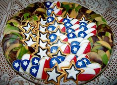 Cheryl's sugar cookies - maybe not this style but wanted to remember the cookies Military Retirement Parties, Retirement Celebration, Retirement Cakes, Retirement Planning, Retirement Countdown, Retirement Funny, Retirement Quotes, Military Cake, Military Party
