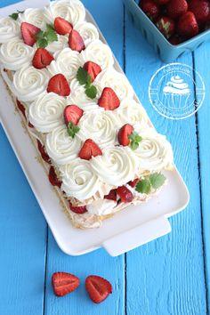 Pullahiiren leivontanurkka: Juhannusherkku - Mansikka-brita Brita, Strawberries And Cream, Let Them Eat Cake, Strawberry, Baking, Desserts, Recipes, Food, Amazing Things