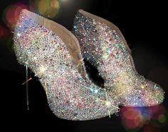Feel Like Cinderella in Your Sparkly Wedding Shoes Sparkly Wedding Shoes, Sparkly Shoes, Fancy Shoes, Hot Shoes, Bridal Shoes, Me Too Shoes, Formal Shoes, Long Gown For Wedding, Diamond Shoes