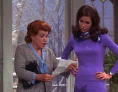 Not long ago I read the late legendary comedy writer and teacher Danny Simon used to show episodes of The Mary Tyler Moore Show i. Vintage Hollywood, Classic Hollywood, Mary Tyler Moore Show, 70s Tv Shows, Free Tv Shows, Lauren Bacall, Kids Tv, Retro Hairstyles, Pretty Outfits