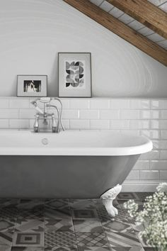 A Traditional Look With An Eclectic Twist   Couple A Grey Painted  Freestanding Bath With Matching