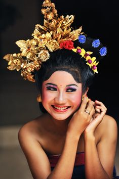 Lovely smile from Bali We Are The World, People Around The World, Beautiful World, Beautiful People, Lovely Smile, Denpasar, Face Expressions, Beauty Shots, World Cultures