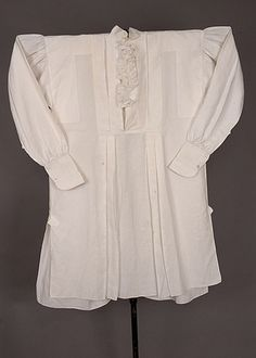 Gent's White Linen Shirt, 1840-1860  Not Regency, but note the front is still not button-through even at this date.