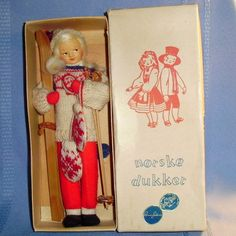 8 All cloth Ronnaug Petterssen posable skier all cloth doll from Norway, mint in her original box. She has a long white blonde mohair wig, molded How To Remove, How To Make, Norway, Scandinavian, Doll Clothes, Athlete, Charlotte, Baseball Cards, Dolls