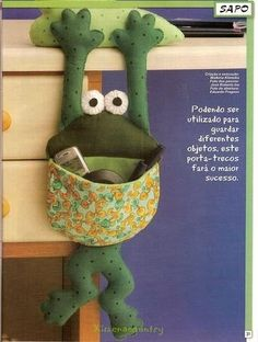 Frog thread catcher/catch all Frog Crafts, Cute Crafts, Diy And Crafts, Cute Sewing Projects, Sewing Tutorials, Sewing Crafts, Juegos Baby Shower Niño, Thread Catcher, Plush Pattern