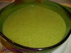 2 gousse d'ail revenu dans huile d'olive, 4 pdt en quartier, 1 botte de cresson, sel poivre, dans cocotte 25 min ds eau puis mixer