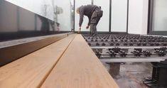 De opbouw met QuickClip®, ons unieke bevestigingssysteem voor een naadloze afwerking en een snelle plaatsing, resulteert in een ultieme beleving voor de eindklant en een 50% tijdwinst voor de vakman.  QuickClip® is een eenvoudig en onzichtbaar bevestigingssysteem voor voorgegroefde terras- en gevelbekleding, waarbij clips op een aluminium onderconstructie worden gemonteerd en er geen zichtbare schroeven of spijkers zijn.