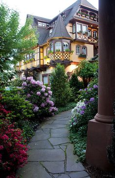 Obernai commune in the Bas-Rhin department in Alsace in north-eastern France. It lies on the eastern slopes of the Vosges mountains. Parc Hotel, Beautiful Homes, Beautiful Places, House Beautiful, Beautiful Park, Simply Beautiful, Amazing Places, Beautiful Pictures, Ville France