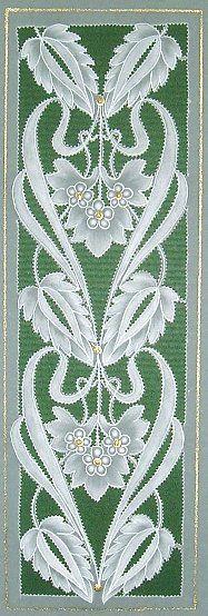 T T leaf art deco floral cut Parchment Design, Art Quilling, Parchment Cards, Quilling Christmas, Art And Craft Design, Paper Lace, Landscape Quilts, Create And Craft, Leaf Art