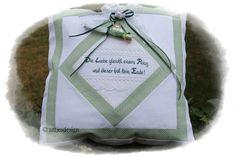 """Hochzeitsgeschenk KISSEN  """"Die Liebe .."""" - Spruch  von Antjes Design auf DaWanda.com"""