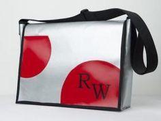 Make shoulder bags yourself: bags made of tarpaulin Tarpaulin, You Bag, Bag Making, Planer, Diy And Crafts, Lunch Box, Satchel, Messenger Bag, Handbags