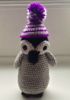 Crochet a pinguin! Check also www.hobsies.weebly.com or https://www.facebook.com/HobsiesHaaksels?ref=hl