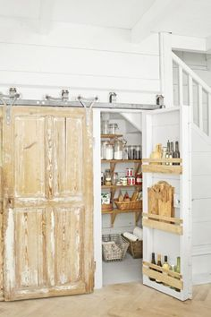 Built-in Pantry Shelvescountryliving