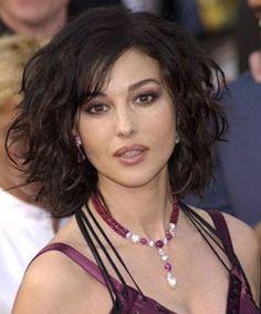 Moda-gri: Cortes de cabello pelo rizado 2011 | fotos