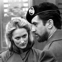 Find someone who looks at you like Meryl Streep looks at Robert De Niro 📷❤🌹 . Deer Hunter 🎬 Directed by Michael Cimino . Al Pacino, I Movie, Movie Stars, I Look To You, Hunter Movie, Denis Villeneuve, Star Wars, Clint Eastwood, Independent Films